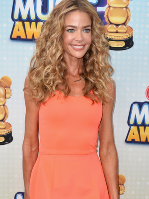 Denise Richards Addresses Weight: I&#039;m Not Too Skinny! 