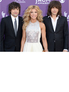 The Band Perry On Outnumber Hunger, Making Music and Upcoming Tours!
