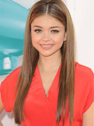 Sarah Hyland Cuts Off Her Hair!