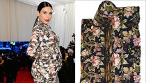 Kim Kardashian -- Looks Sofa King Good!