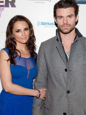 Rachael Leigh Cook Pregnant With First Child!