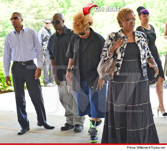 0509-da-brat-dennis-bryon-chris-kelly-tmz