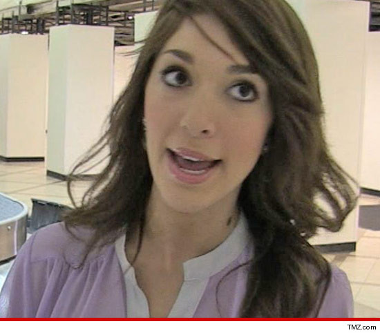 Farrah Abraham LAX Fight -- Farrah Gets Into a Fight at LAX with Bag ...