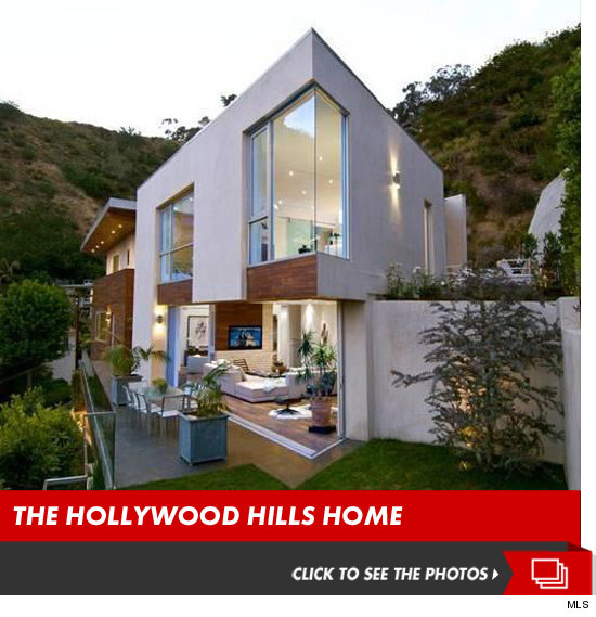 0514_crystal_harris_hollywood_hills_home_launch