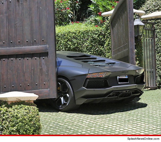 Kanye West's Car CRASHES Into Kim Kardashian's Gate