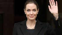 Angelina Jolie to Have Operation to Remove Her Ovaries Too