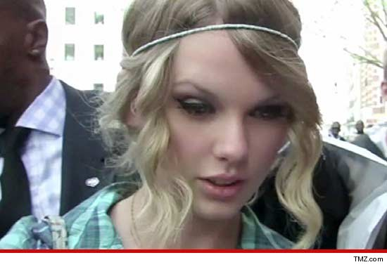 Taylor Swift -- Obsessed Fan ARRESTED for Swimming to Singer's Beach Pad