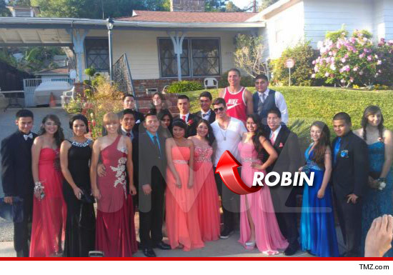 0517-robin-thicke-prom-tmz