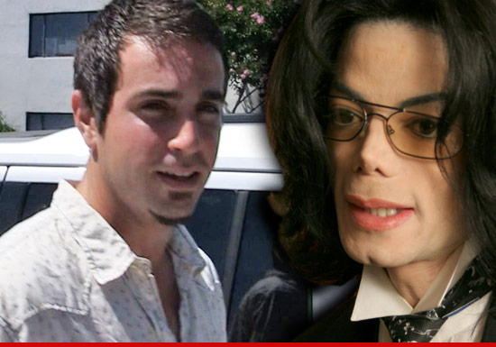 Wade Robson Reaching Out To The Housekeeper