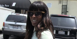 Kelly Rowland -- Beyonce&#039;s Pregnant?! WHAT?!?!