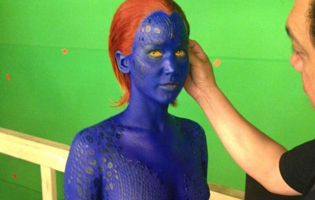 """Jennifer Lawrence Naked & Blue on Set of """"X-Men"""" Sequel"""