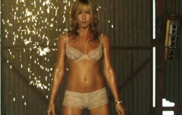 "Jennifer Aniston Plays Stripper In ""We're the Millers"" Trailer"