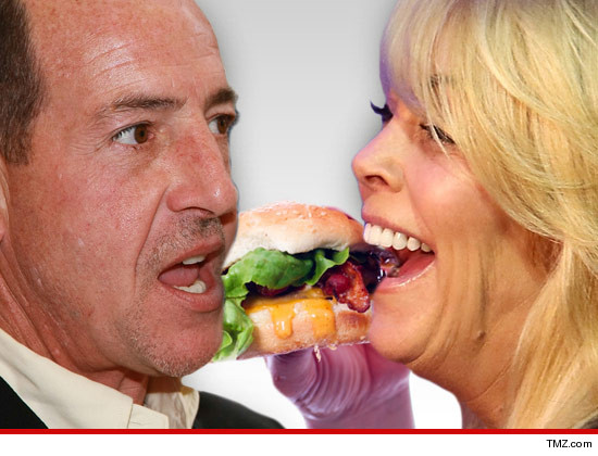0530_dina_michael_lohan_burger_Article