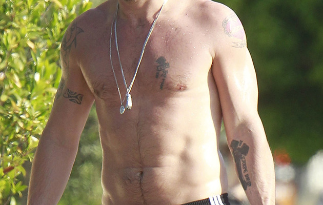 Colin Farrell Shirtless and Sweaty After Yoga!