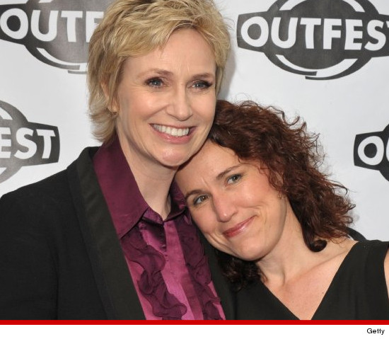 0610_jane_lynch_laura_embry_getty