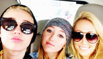 Miley Cyrus Peaces Out With Mom ... After Parents Divorce