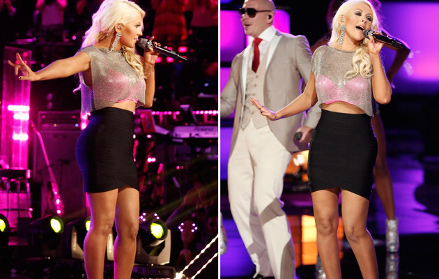"Christina Aguilera Bares Midriff on ""The Voice"" Finale"