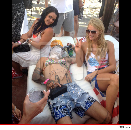 PARIS HILTON  Messes with Drunk Dude's  UNCONSCIOUS BODY