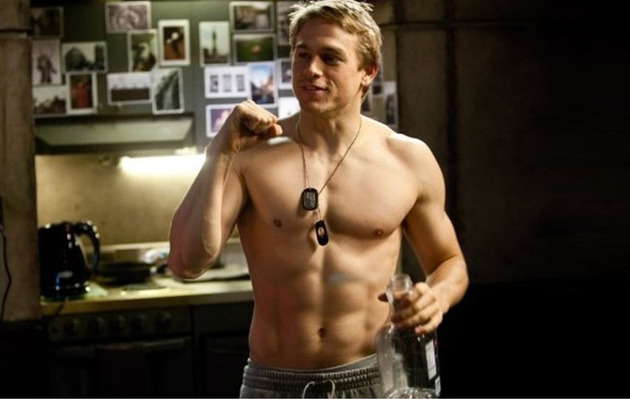 "5 Fun Facts About ""Pacific Rim"" Hunk Charlie Hunnam!"