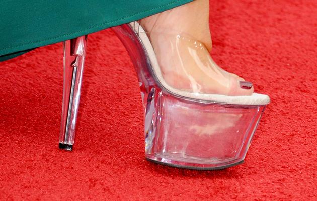 """Helen Mirren Rocks Stripper Heels at """"Red 2"""" Premiere!"""