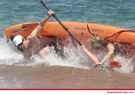 0715_joel_osteen_kayak_Splash