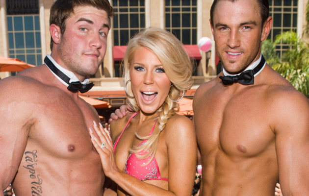 Gretchen Rossi Hosts World's Largest Bachelorette Party!