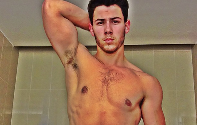 Nick Jonas Explains Shirtless Selfie And Reveals Who Took It!