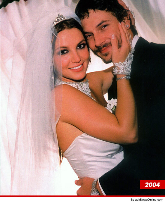 0813-britney-spears-kevin-federline-2004-splash