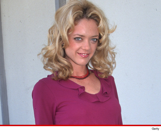 Lisa Robin Kelly 2013