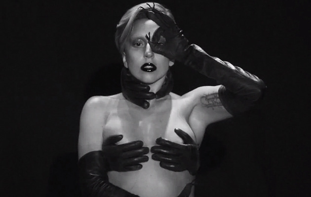 "Lady Gaga's Bizarre ""Applause"" Video -- Watch It Now!"