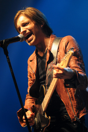 Alex Band's Performance Pictures