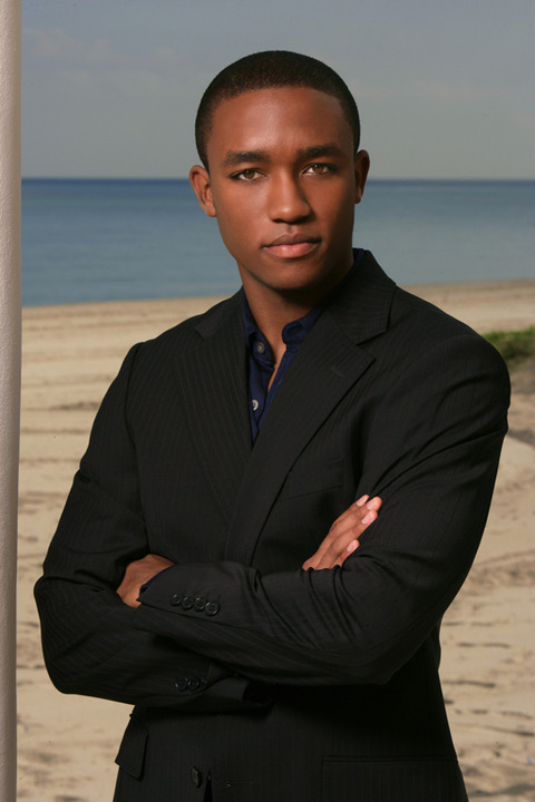 <strong>Lee Thompson Young</strong><span> has died after what officials believe is a suicide ... TMZ has learned.  He was 29.</span>