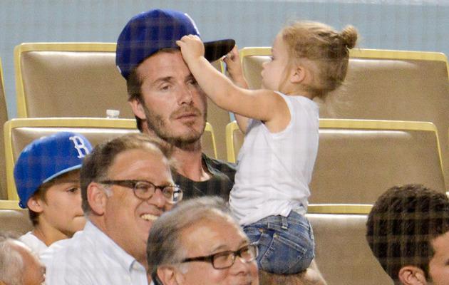 Cute Photos: David Beckham & Harper Watch the Dodgers!