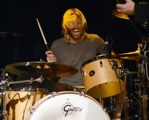 Taylor Hawkins Rockin' Out!
