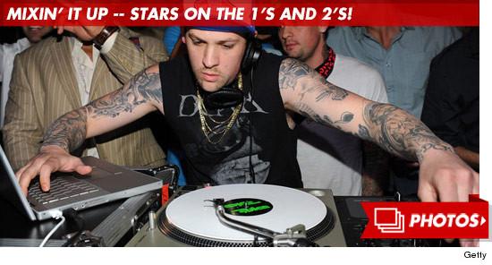 0903_dj_mixin_stars_footer