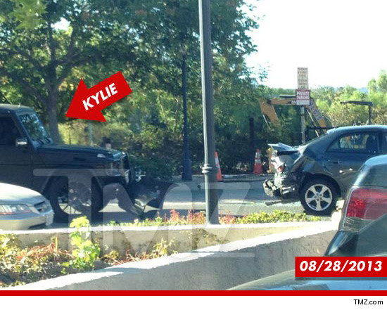 0910_kylie_car_accident_tmz_sub