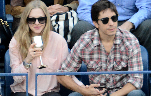 Amanda Seyfried & Justin Long Show PDA at U.S. Open!