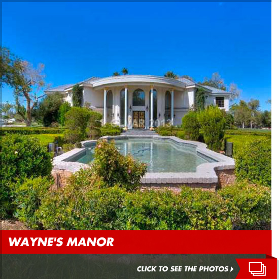 0910-wayne-newton-vegas-house