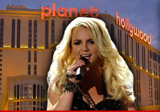 0913_britney_spears_planet_hollywood