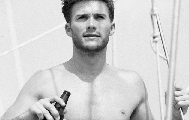 Because You Demanded It: More Shirtless Scott Eastwood!