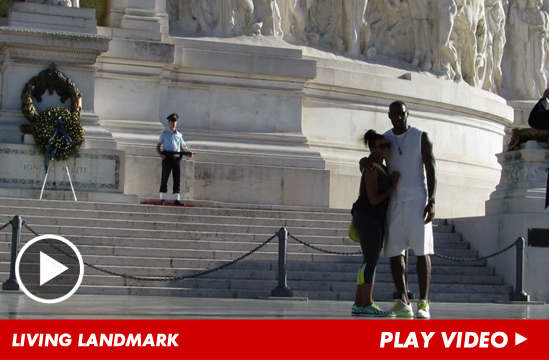 1b46c5a8ed09 Image is from  http   kittygossip.wordpress.com 2013 10 04 lebron-james-when-in-rome-im-a-tourist-attaction   ...