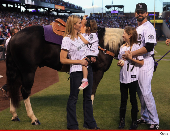 0926_todd_helton_horse_getty