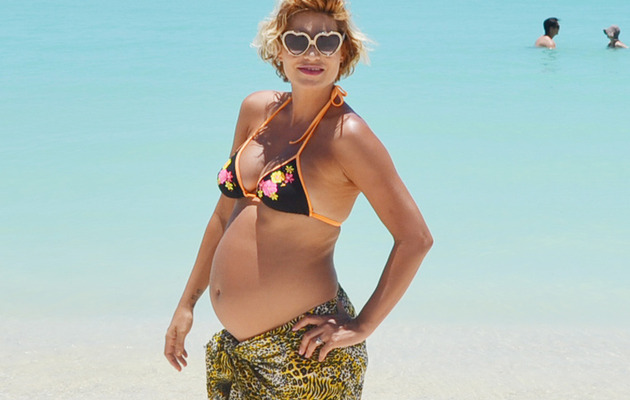 """Top Model"" Star Lisa D'Amato Gives Birth to Baby Boy"