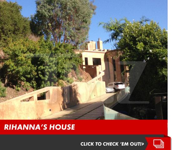 1004_rihanna_house_launch