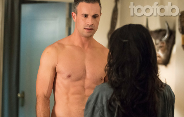 "Freddie Prinze Jr. Shirtless for ""Witches of East End"" -- HOT Pics!"