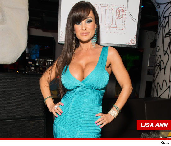 lisa ann santa wife