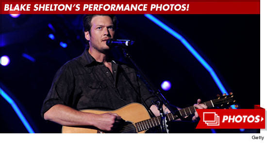 1015_blake_shelton_performance_photos_footer_V2