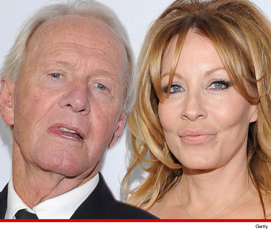 1017-paul-hogan-linda-crocodile-getty