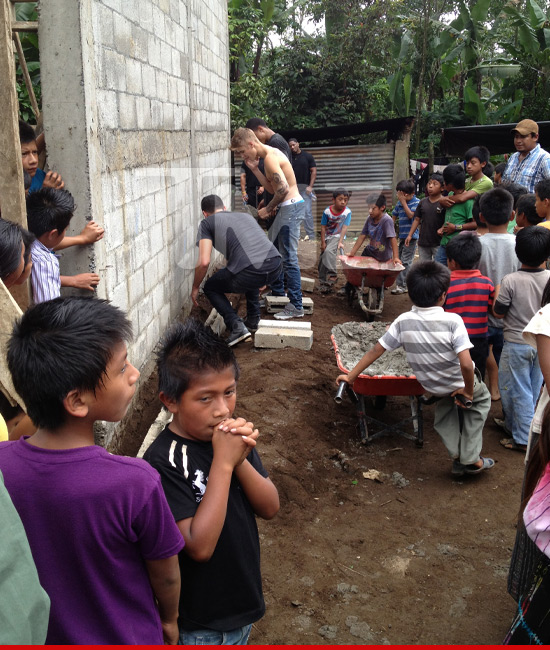 JUSTIN BIEBER BUILDING SCHOOL IN GUATEMALA