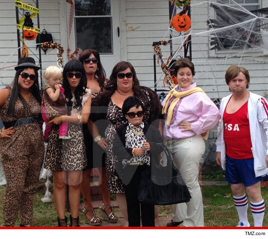 1031_booboo_halloween_tmz_article